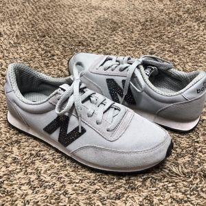 New Balance WL410BU Lace Up Sneakers Gray Sz 8/39